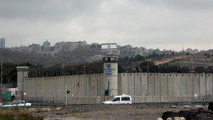Détenu par Israël, un journaliste palestinien observe une grève de la faim