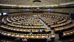 """Le commissaire européen Moscovici prévoit une """"percée populiste"""" lors du scrutin européen"""